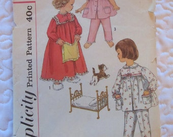 vintage SIMPLICITY 3243 sewing pattern-- Child's Pajamas & Nightgown (size 5)