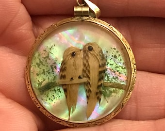 Antique Victorian 9K Gold Feathered Double-Sided Bird Pendent Etched Gold Frame Convex Glass