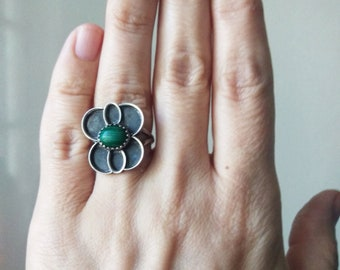 Vintage Sterling Silver and Malachite Ring