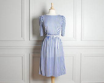 Dress Midi Day / Striped White and Blue / Half Sleeves Cinch Waist Belted / Summer Mod Chic Nautical 80s Vintage / Extra Small XS Small S
