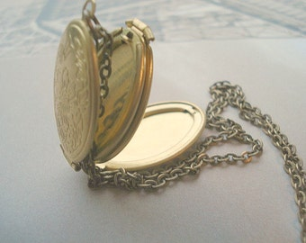 Folding Locket Necklace Brass Locket Four Photo Locket Necklace Oval Locket Gold Oval Locket Jewelry Pendant Mom Locket Memorial Locket