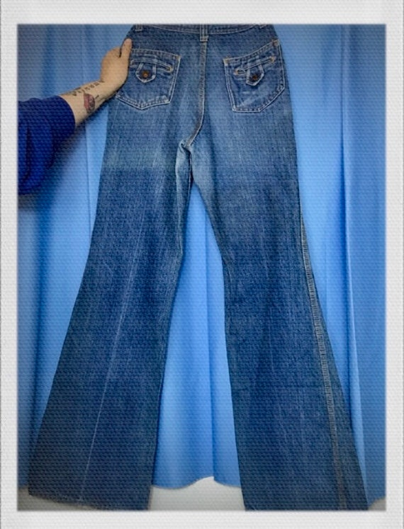 """Vintage Rare Red Snap Bell Bottoms Jeans 1970's 26.5"""" waist 11"""" rise 31"""" inseam 22"""" open bell"""