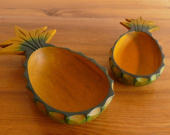 Wooden pineapple cups