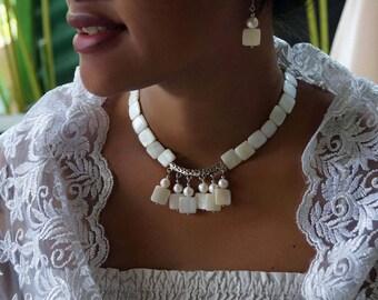 Shell Pearl Necklace, Boho Wedding Necklace,  White Wedding Collar