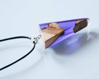 Pendant made of wood in resin HÖYRN, Wood Resin Pendant, Wood necklace, Resin Wood Jewelry, Wood Jewelry, Unique Gift, Valentine's Day gift