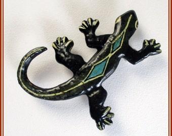 Broche salamanquesa artesanal, pin salamanquesa para chaqueta, broche pintado mano salamanquesa, salamanquesa joyería contemporánea, regalo.
