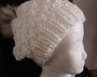 Knitted cap with Fellbommel