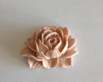 Dusty rose resin flower