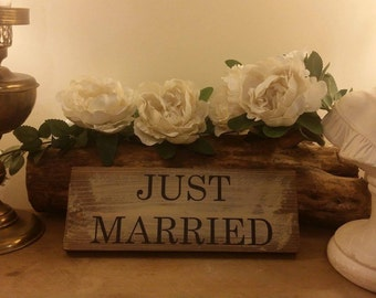 JUST MARRIED Plaque Sign Handmade Rustic Wedding Prop Photos Table Decoration Quality Wooden Signs