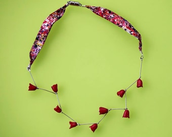 Red rosed necklace