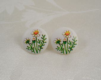 Lovely Floral Decorated Post Earrings