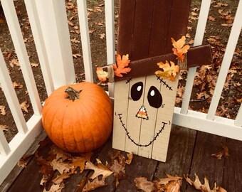 Reversible Snowman/Scarecrow Pallet Sign