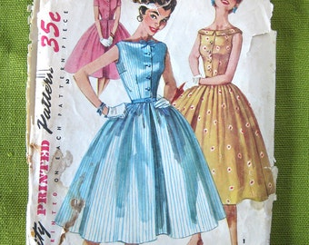 1950s Vintage Sewing Pattern - Simplicity 1191 -  Full Skirt DRESS Party Dress /  Size 14