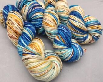 Worsted Weight, Hand Dyed yarn, Merino Wool, 100 grams, Huntington Beach V.2, yarn, Variegated, Speckled, Superwash