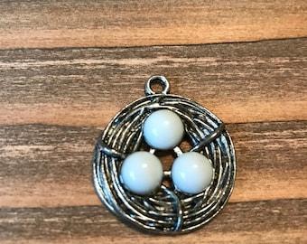 Birds Nest Focal Pendant/Birds Nest Necklace Pendant/Antique Silver and White Birds Nest and Eggs Focal