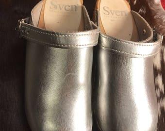 Sven Swedish vintage clogs silver sz kids13/30