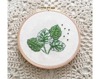 MONSTERA - Hand embroidered hoop