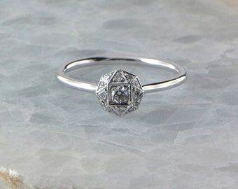 18ct white gold illusion set Diamond ring.
