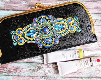 Women's wallet Wallet on clasp Double Clasp Wallet kiss clasp  Black wallet Coin Purse Painting on wallet Gold Frame amazing painting