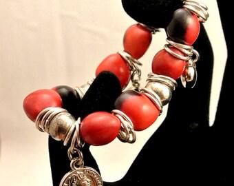 Red and Black 12mm Bead Charm Bracelet Three Silver Tone Charms Silver Tone 10mm Beads Vintage Bracelet Stretch Bracelet