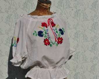 Peasant blouse, embroidered blouse, peasant top, Hungarian top, Hungarian blouse, Hungarian embroidery, vintage peasant blouse, peasant top