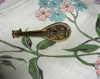 miniature mandolin brooch