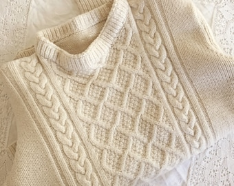 Small Cropped Cable Knit Sweater