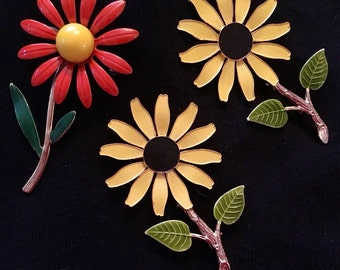 Set of Three Daisy Flower Brooches / Pins