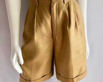 Vintage Women's 90's High Waisted, Pleated, Linen Shorts by Classiques Nordstrom (M)