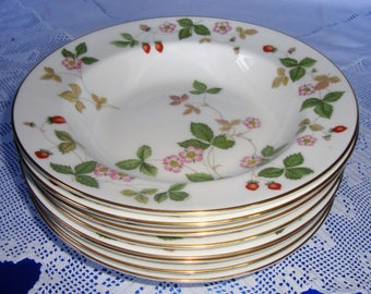 Wedgwood WILD STRAWBERRY Rimmed Soup Plate