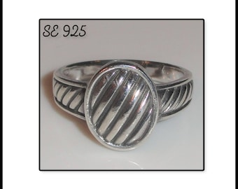 Signed Hallmarked SE 925 Oval Lined Ribbed Style Sterling Silver Size 8 Ring