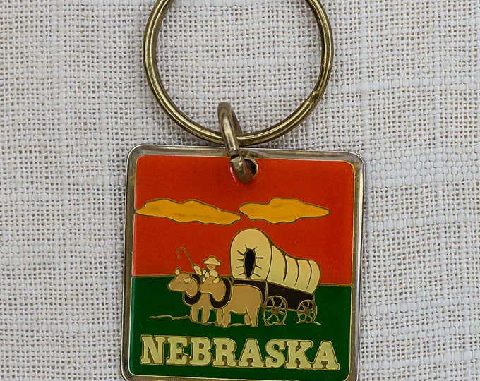 Nebraska Vintage Keychain Metal Covered Wagon Wild West Key FOB Key Chain 7PP
