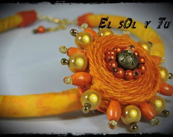 crew neck EL SOL Y TU - ⅛ yellow batik fabric - Sun made of dyed linen, beads thread
