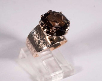 14K Yellow Gold Brown Topaz Ring with Unique Setting, size 6.25