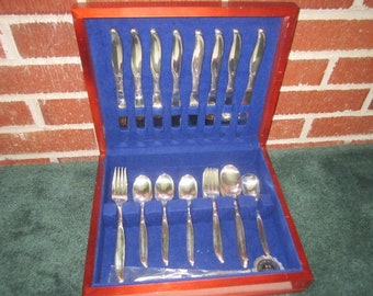 Vintage Mid Century Modern Wm Rogers IS SWEEP Fabulous 50 pc Silverplate Service for 8 Flatware Set with Chest