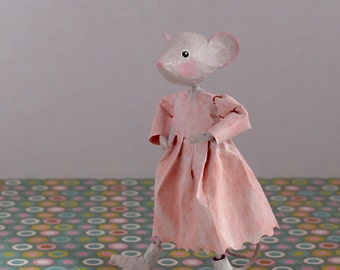 Sculpture mouse in paper mache, little mouse dancer, paper mache art, interior decoration, gift for her, gift MOM, ooak