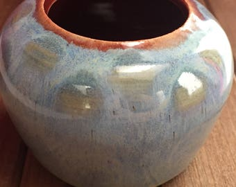 Small ceramic handmade planter perfect for succulent plants or a cactus