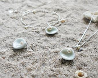 Shell jewellery set 3 pieces - earrings bracelet necklace, Ceramic jewelry set  Ocean jewelry Beach jewelry Birthday gift-boohua