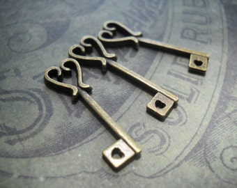 Heart Key Charms Antiqued Bronze Skeleton Keys Valentines Day Key Pendants Heart Keys BULK Skeleton Keys Wedding Keys Wholesale Keys 25pcs