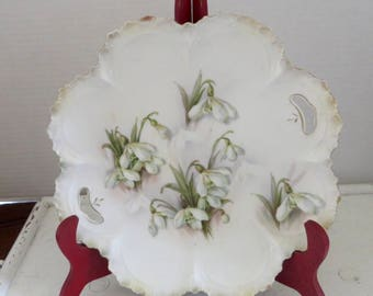 RS Prussia White Lily/Daffodil Cake Plate/Red and Green Mark