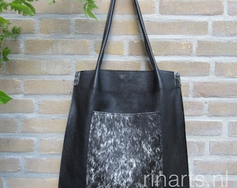 FREE SHIPPING Tote bag Rinarts in black Italian leather and cow hide front pocket. Last one of this series. FREE shipping until Sept.1