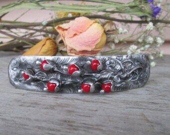 barrette with red coral