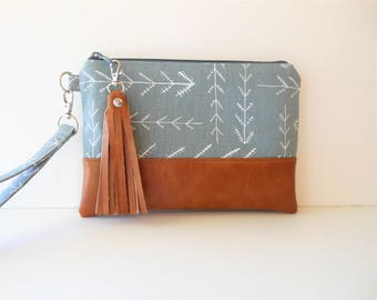 "iPhone Plus Wristlet Clutch Wallet, Smart Phone Bag, Southwest Gray Arrow Tribal Print with Faux Leather Base 9""x6""  (ready to ship)"