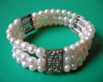 Beautiful 3-Strand White Freshwater Pearl Strechy Bracelet