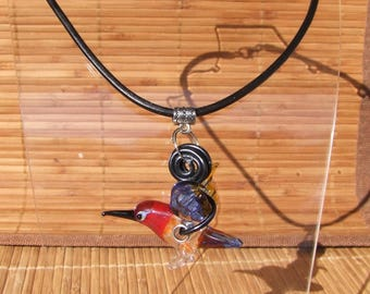 Necklace with long black leather and its stunning pendant Hummingbird glass spun by hand