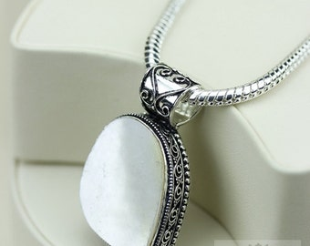Mother Of Pearl Vintage Filigree Setting 925 S0LID Sterling Silver Pendant + 4mm Snake Chain & FREE Shipping p3285