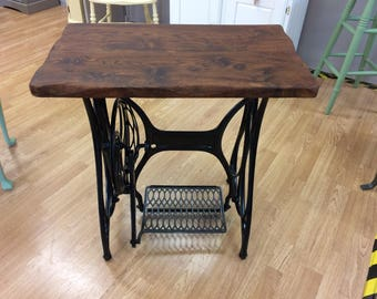 Stunning Oak Topped Treadle