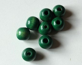 Set of 9 green number 4 varnished round 20 mm wooden beads