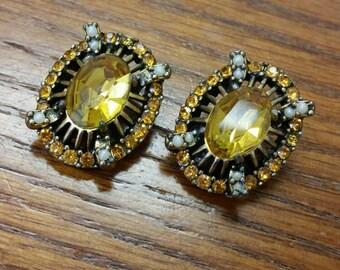 Vintage Hollycraft 1953 Citrine And Seed Pearl Rhinestone Clip Earrings