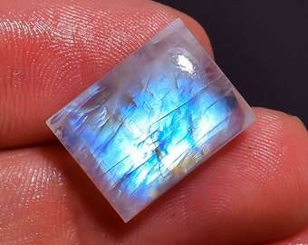 Glorious - Rainbow moonstone, Natural Rainbow moonstone cabochon, Rainbow moonstone Loose Gemstone, 10.05Crt,Size 17X13X5MM,MI-1617